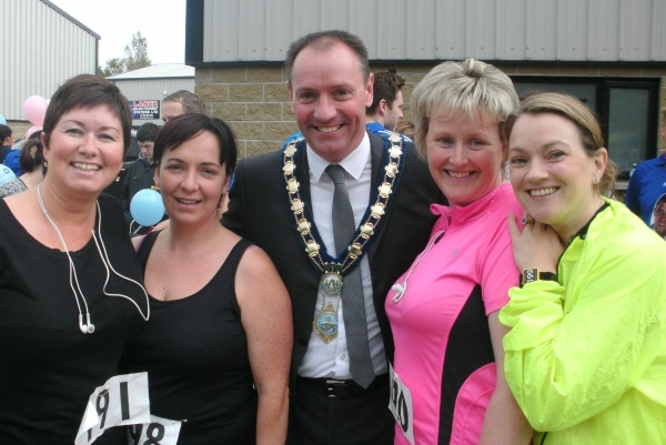 Mayor with Runners