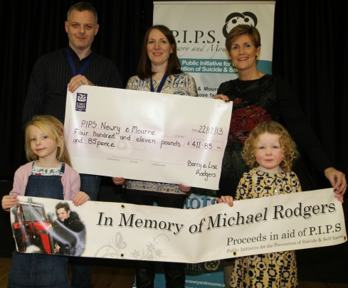 Cheque of £411.85 presented for 10k run